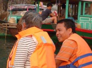 Sur la sampan a la baie d'halong
