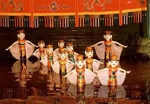 marionettes sur l'eau