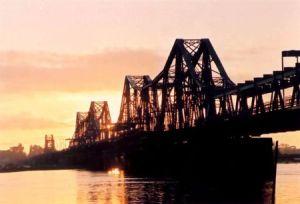 pont de Long Bien