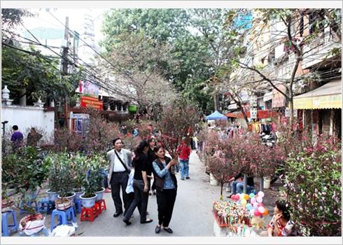 marche des fleures de la vielle ville