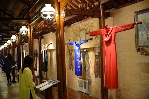 Le Ao Dai - la robe traditionnelle des Femmes vietnamiennes