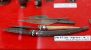 Des-couteaux-pour-fendre-les-noix-d'arec