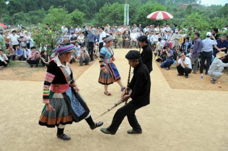 danser-des-hmong