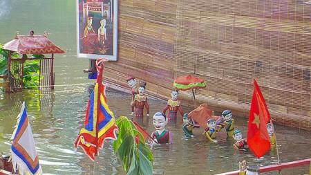 Marionnettes-sur-l'eau2