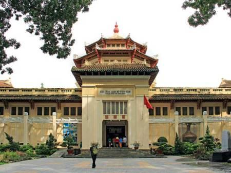 Le-musee-d'histoire-du-Vietnam