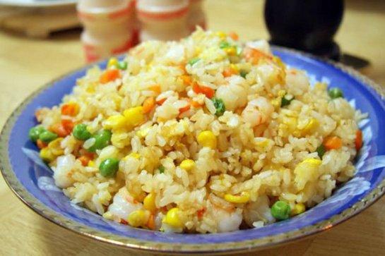 Ce plat est presque omniprésent au Vietnam, que ce soit dans un restaurant ou dans une gargote.