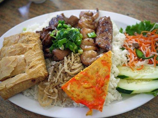 Simplement des brisures de riz, ce plat est parmi les plus populaires de Saigon