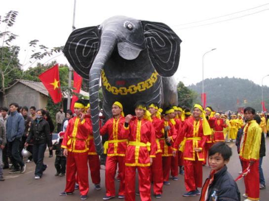 La Fête de Giong, reconnue par l'Unesco en 2010.