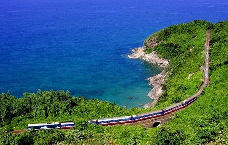 voyage train vietnam.jpg