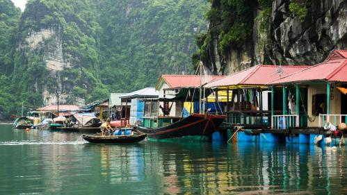 le village cua van