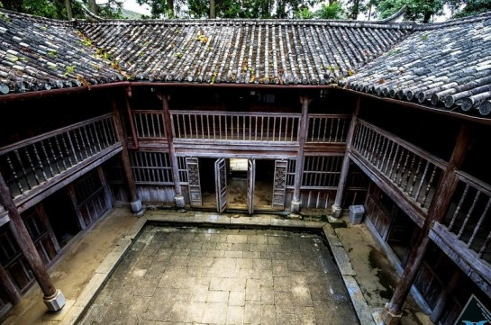 residence du roi des meo.jpg