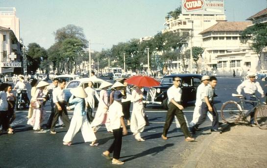 costume traditionnel vietnamien.jpg