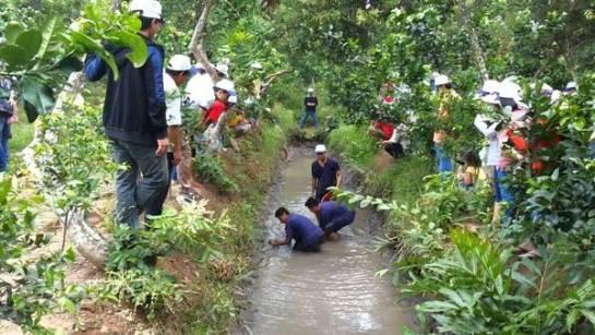 visiter delta du mekong attraper poisson.jpg