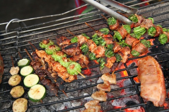 cuisine de rue de hanoi grillades.jpg
