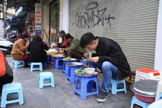 cuisine de rue hanoi.jpg