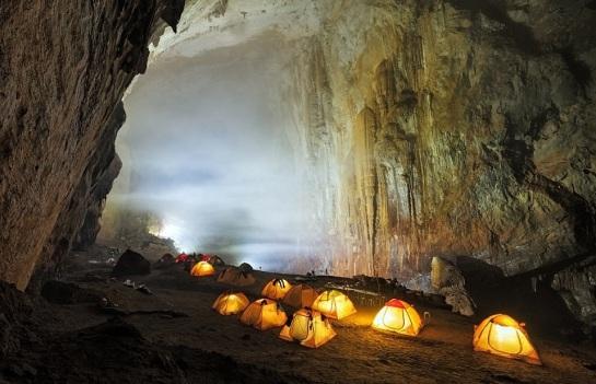 grotte son dong vietnam.jpg