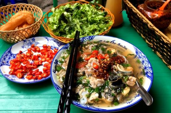 plats populaires de hanoi automne nouilles escagots.jpg