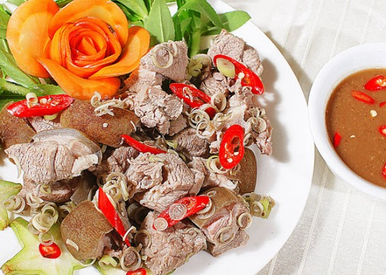 plat typique ninh binh vietnam chevre sauvage.jpg
