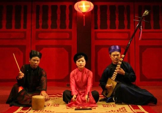 ca tru chant traditionnel vieux quartier hanoi.jpg